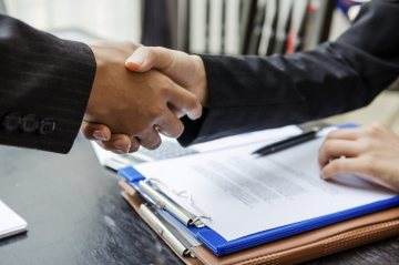 shaking hands, business agreement
